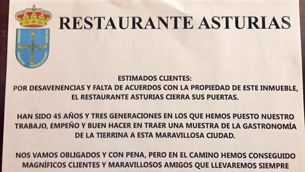 Cartel con el que los propietarios del restaurante informaban de su cierre