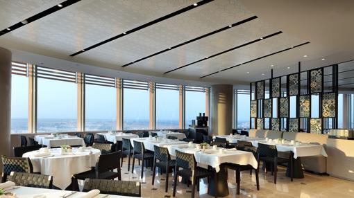 Restaurante del hotel que la cadena Hotusa ha inaugurado en Torre Sevilla