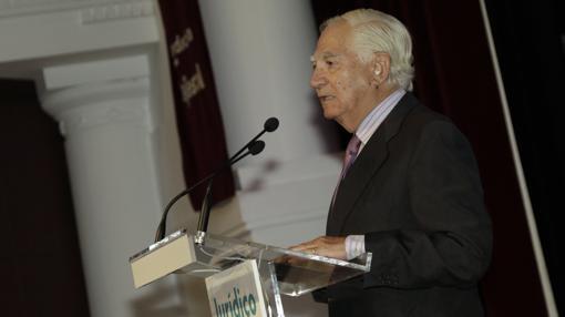Rafael Leña pronunció un discurso de gran calado