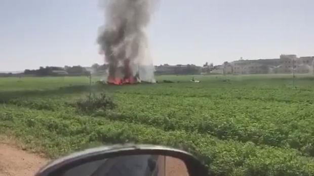 Peuqeño incendio en un campo