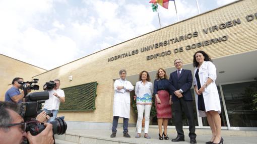 Profesionales y responsables de la sanidad andaluza antes de atender a los medios