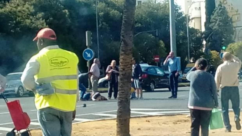 Herida de gravedad una mujer tras ser atropellada por un for Cartelera avenida sevilla