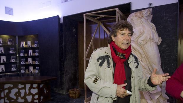 Jesús Quintero en su teatro
