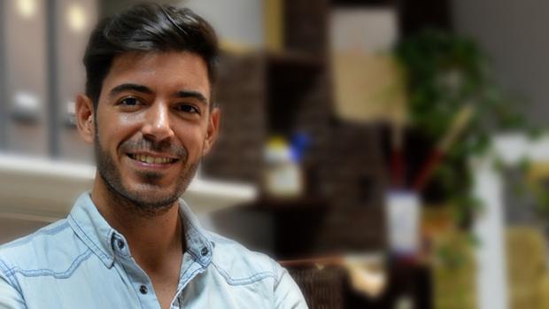 El autor del polémico cartel, Manuel Peña