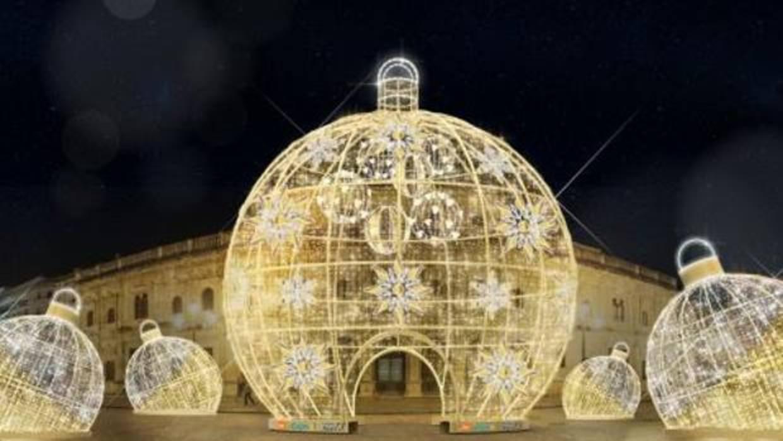 Alumbrado de navidad en sevilla unas bolas gigantes - Bolas navidad gigantes ...