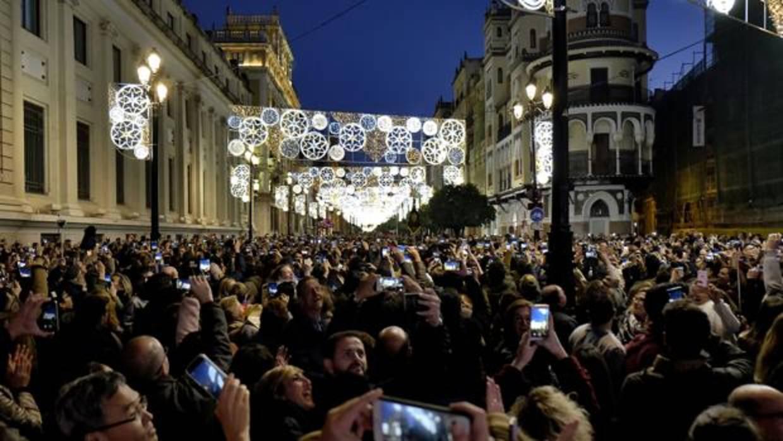 Iluminaci n de navidad en sevilla m s de 260 calles de - Iluminacion sevilla ...