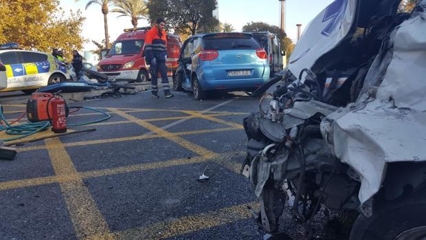 Así han quedado los dos vehículos que han colisionado en la mañana de este domingo en Torneo