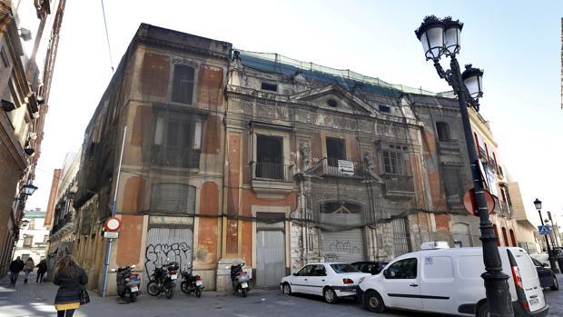 Casa de la Moneda, declarada Bien de Interés Cultural, cuyas obras de reforma fueron paralizadas en 2011