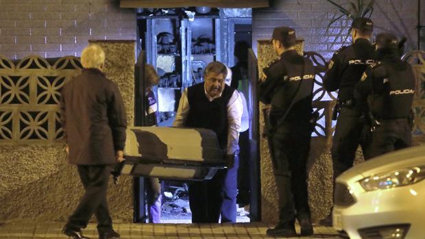 Sacan el cuerpo de la mujer fallecida en el incendio de su casa en Ciudad Jardín
