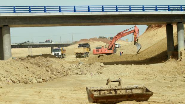 Obras en el tramo de la SE-40 entre Almensilla y Coria