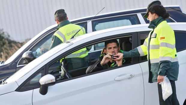 Por conducir bajo los efectos del alcohol se pueden perder entre 4 y 6 puntos