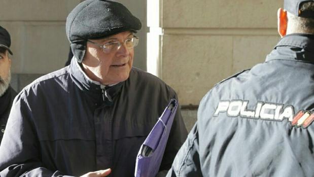 Tres juzgados de sevilla investigan por estafa al falso for Juzgados viapol sevilla