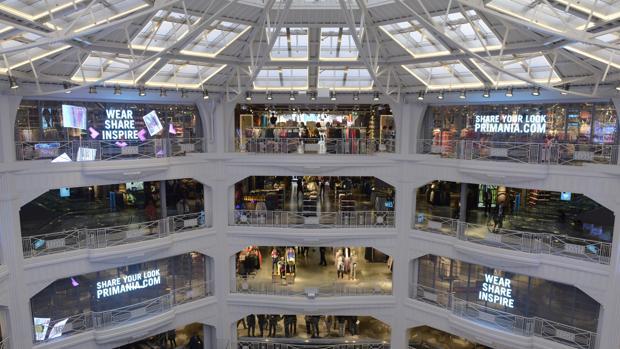 Edificio situado en la Gran Vía madrileña donde se ubica la tienda Primark más grande de España