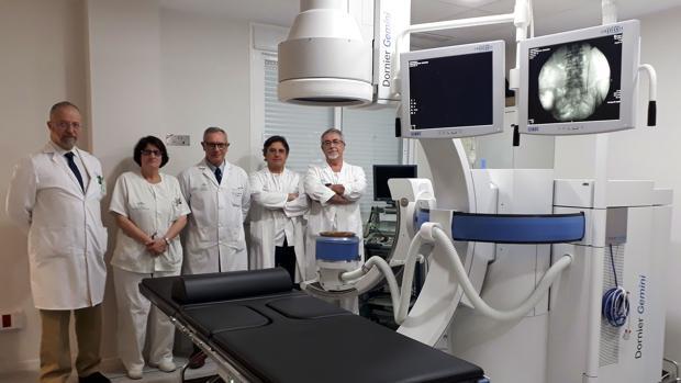 El equipo de la Unidad de Litiasis Urinaria del Valme