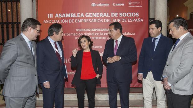 Soraya Sáenz de Santamaría ha clausurado un acto organizado por Cesur en Sevilla