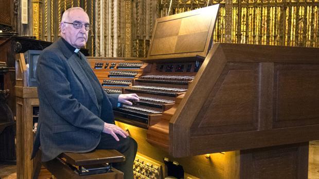 José Enrique Ayarra, canónigo y organista titular de la Catedral de Sevilla