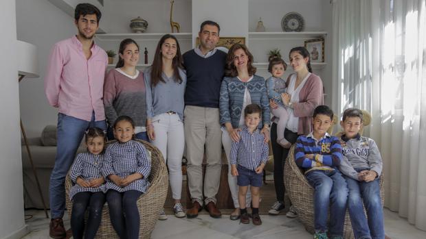 Imagen de la familia Martín-Calderer al completo