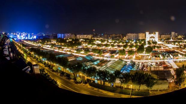 Vista panorámica de la Feria 2018 de noche