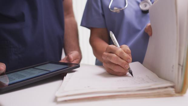 Los médicos dicen que las enfermeras no están preparadas para las tareas que les van a asignar y que son propias de ellos