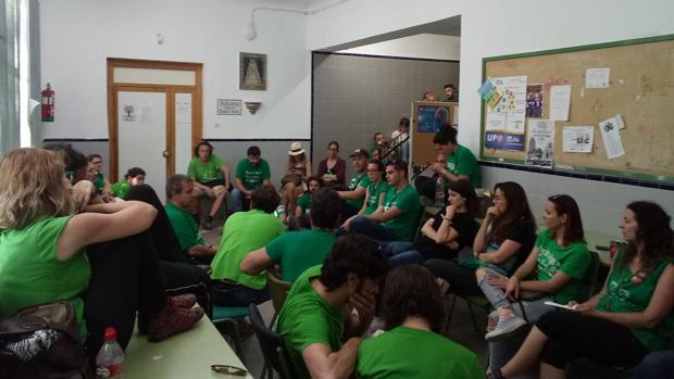 Imagen de la ocupación del colegio por algunos interinos
