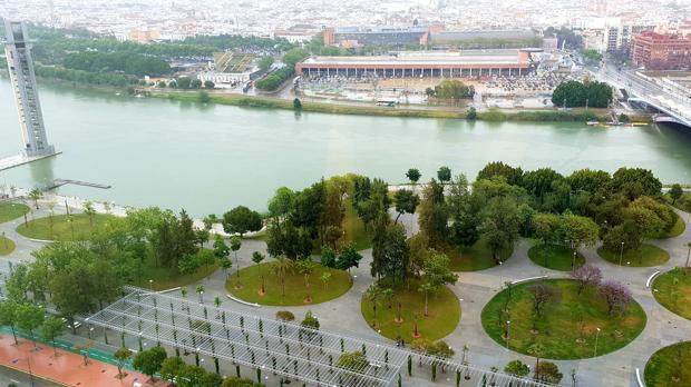 El nuevo parque Magallanes, visto desde el rascacielos Torre Sevilla