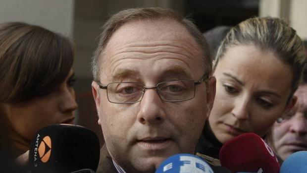Antonio del Castillo con los periodistas en Sevilla