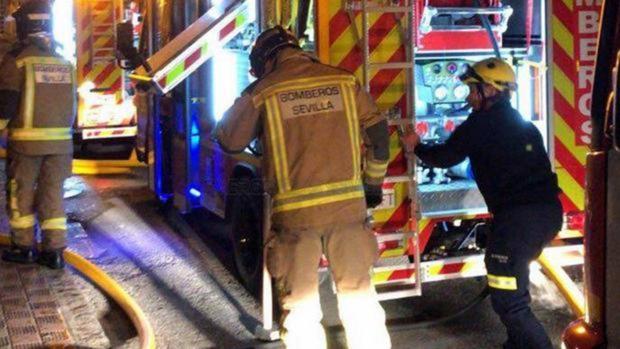 Un varón ha resultado afectado por el incendio