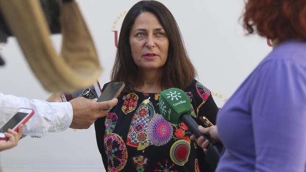 La vicerrectora de Estudiantes, Pastora Revuelta