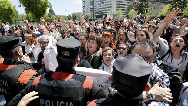 Protestas en el Palacio de Justicia de Pamplona tras conocerse la sentencia a la Manada