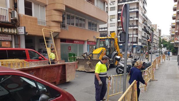 Obras de peatonalización en la calle Pedro Pérez Fernández
