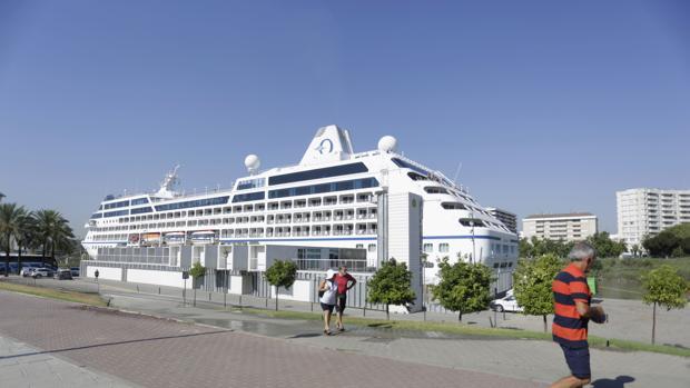 El crucero «Sirena», durante una visita anterior