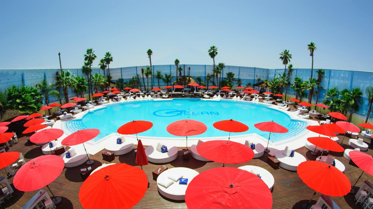 Estas son las terrazas con piscina que hay en sevilla for Alquiler vacacional sevilla piscina