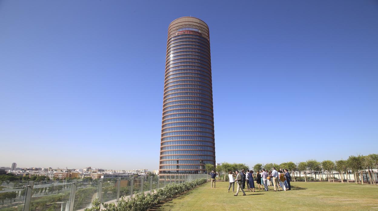 H&M completa la oferta comercial de Torre Sevilla