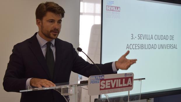 Beltrán Pérez, durante la rueda de prensa