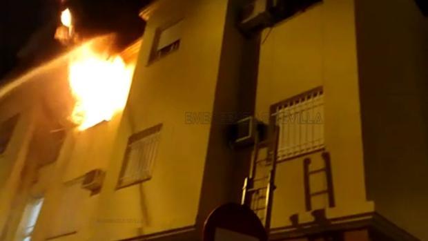 El incendio ha tenido lugar en una vivienda de la calle Estrella Rigel