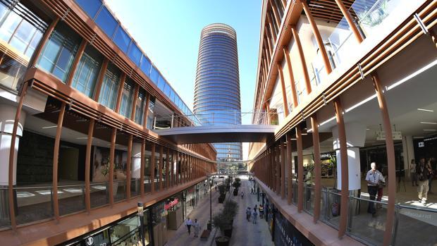 Cómo Llegar Al Centro Comercial Torre Sevilla A Pie En Coche Bus