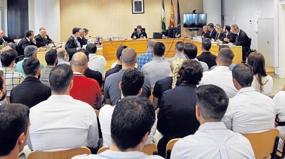 Varios acusados señalan que la Gepol los presionó para denunciar las oposiciones de la Policía de Sevilla