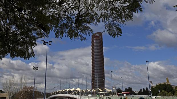 -El complejo comercial, empresarial y cultural Torre Sevilla