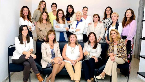 Slvia Muñoz con su candidatura íntegra de mujeres
