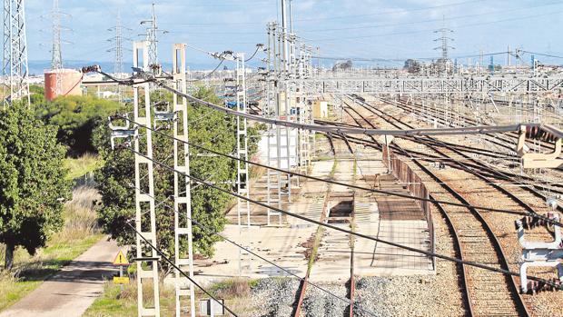 Instalaciones de la estación de tren de mercancías de Majarabique