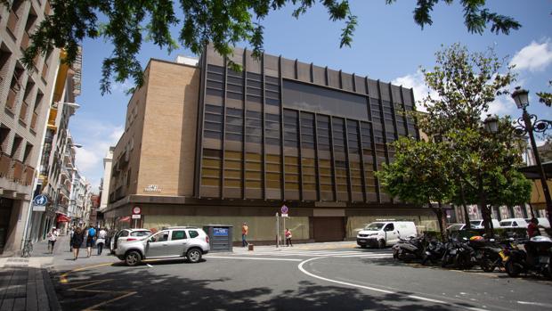 El edificio donde irá el hotel perteneció a El Corte Inglés
