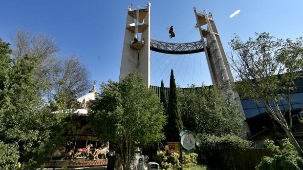 El pabellón de la Cruzcampo en la Cartuja está cerrado desde hace once años