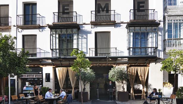 Hotel EME, de cinco estrellas, en la calle Alemanes, frente a la Catedral