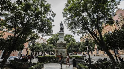 Estatua de Murillo en la Plaza del Museo