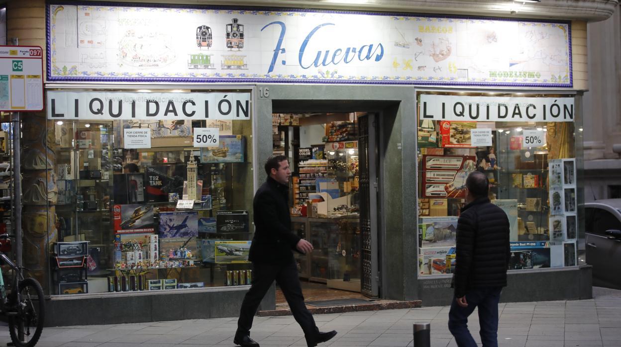 Días CuevasLa Sevilla Los De Más Juguetería Últimos Antigua roCxBde