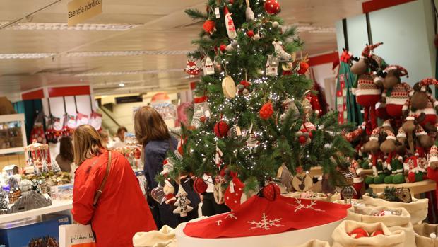 Decoración de Navidad en unos grandes almacenes