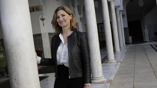 Alicia Martínez ha sido concejal en el Ayuntamiento de Sevilla y ahora es diputada andaluza, especializada en temas de vivienda y urbanismo