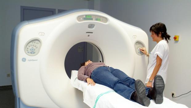El tiempo medio de espera ara una radiografía simple en el Hospital Virgen del Rocío alcanza los 128 días y 65 días para pruebas de ultrasonografía