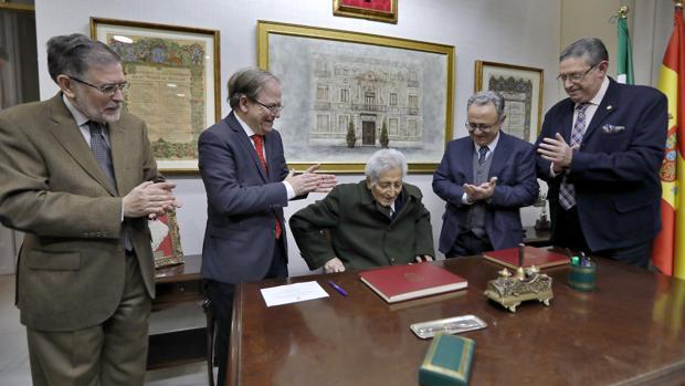 Homenaje a José Luis Comellas este martes en el Ateneo de Sevilla