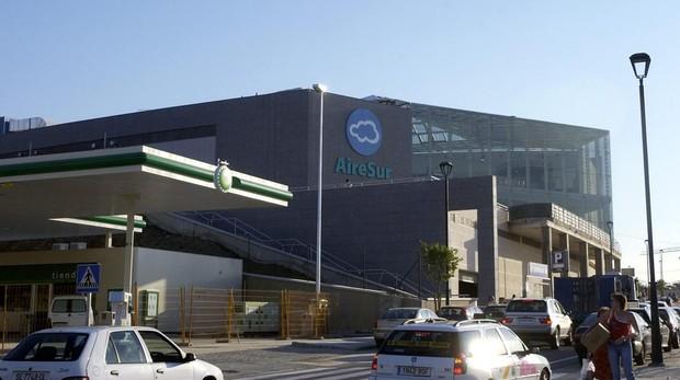 Nuria sufrió el robo de su cartera en un centro comercial de Castilleja de la Cuesta
